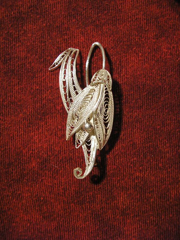 Brosa filigranata argint