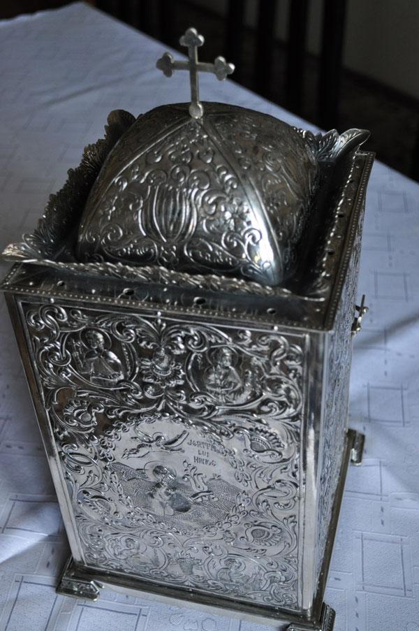 Chivot din argint cizelat - Manstirea Radu Voda vedere de sus