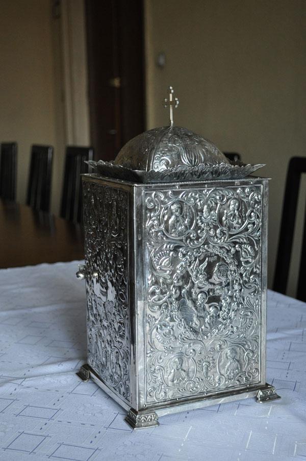 Chivot din argint cizelat - Manastirea Radu Voda
