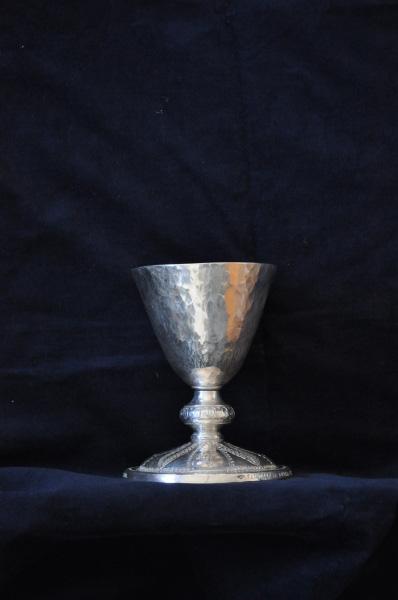 Potir din argint ciocanit